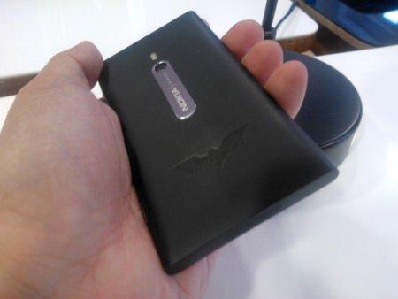 Nokia Lumia 800 estrena edición muy limitada Dark Knight Rising