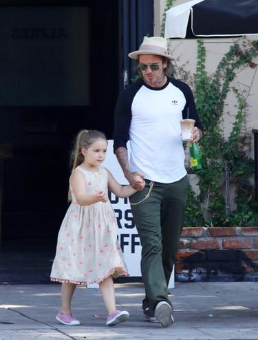 Y éste es el momento en que Harper Beckham descubre que su madre era una Spice Girl y lo molaba todo
