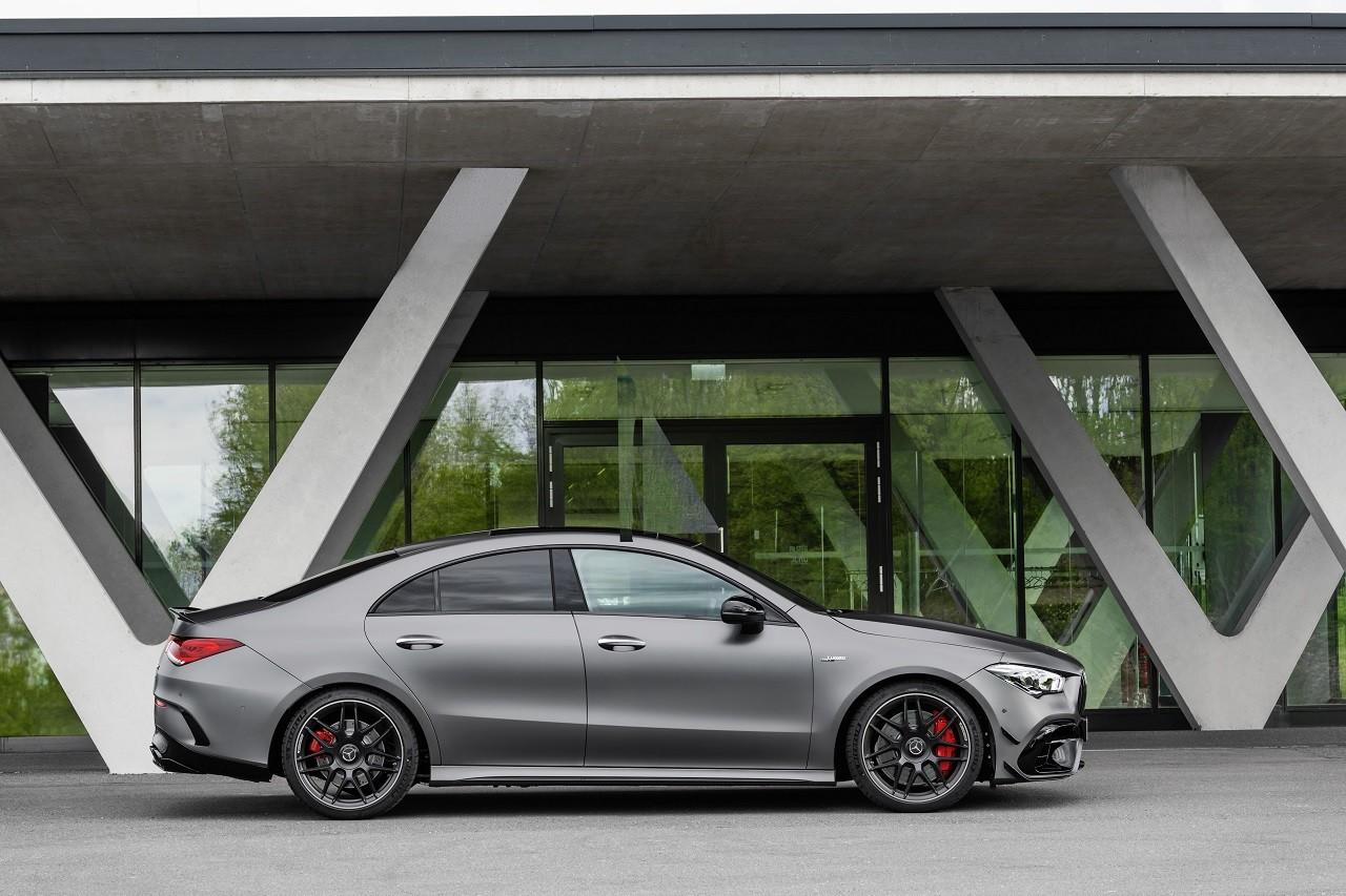 Foto de Mercedes-AMG CLA 45 4Matic (29/38)