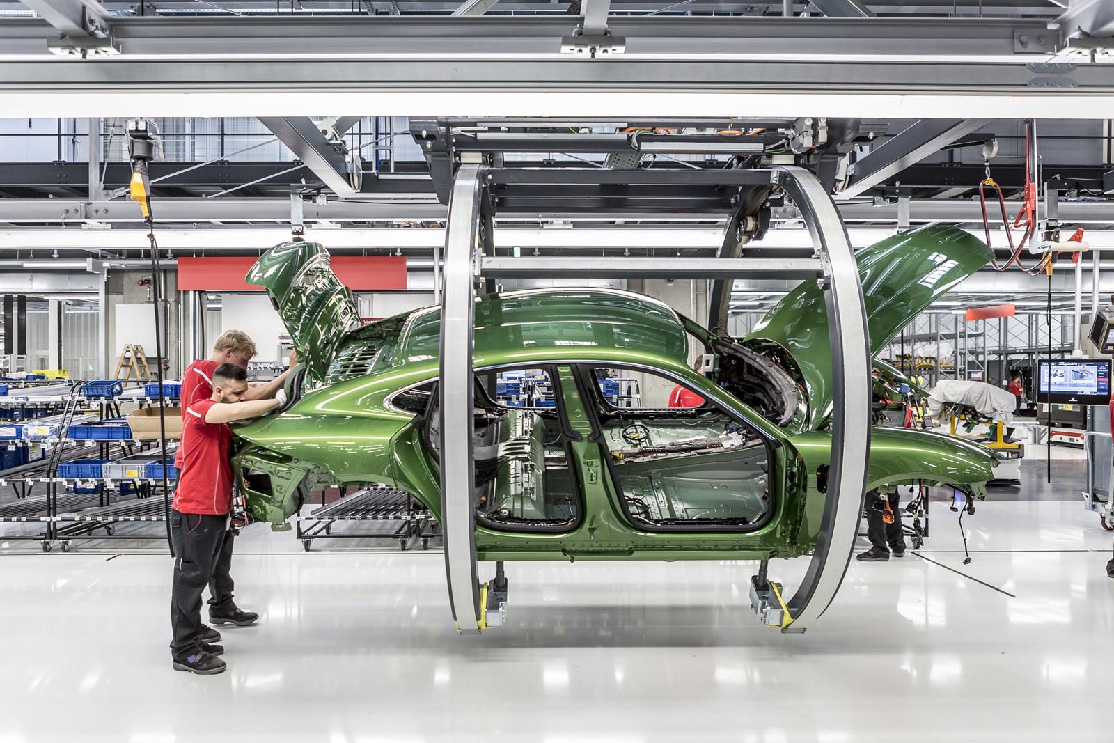 Foto de Fábrica Porsche Taycan (inauguración) (36/44)