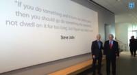 El primer ministro de Israel visita la central de Apple con Tim Cook