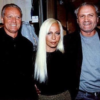 Primera biografía oficial de Gianni Versace