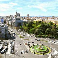 El primer día de Madrid Central: autobuses hasta un 50% más rápidos y más usuarios de Metro