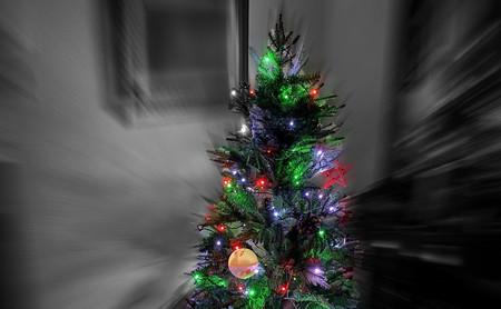 Esta Navidad he optado por decorar el árbol con luces LED conectadas y este ha sido el resultado