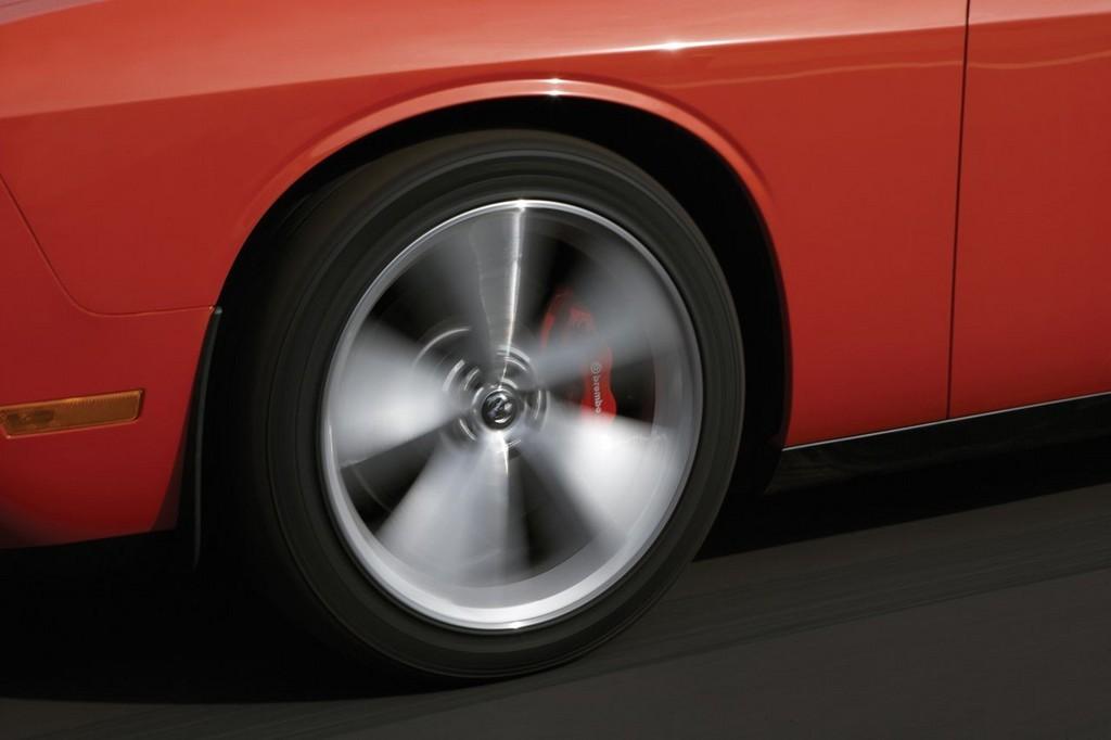 Foto de Dodge Challenger SRT8 (68/103)