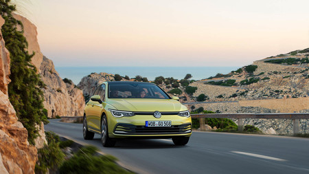 Volkswagen Golf 8 01