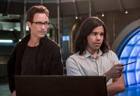 'The Flash' pierde a dos de sus protagonistas: Tom Cavanagh y Carlos Valdés dejan la serie del Arrowverso tras siete temporadas