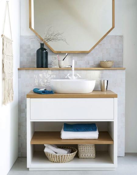 Maisons du Monde convierte algunas de sus cómodas y aparadores en preciosos muebles de lavabo para el cuarto de baño