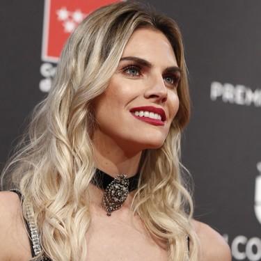 Los 11 mejores looks de belleza de la alfombra roja de los Premios Feroz 2020 con el glitter como gran tendencia