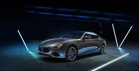El Maserati Ghibli Hybrid de 330 CV se sube al carro de la microhibridación, pudiendo así lucir la etiqueta ECO