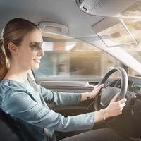 Bosch quiere matar los parasoles de los coches con un panel LCD transparente, una cámara e inteligencia artificial