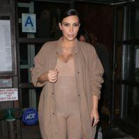 Kim Kardashian Escote Premama
