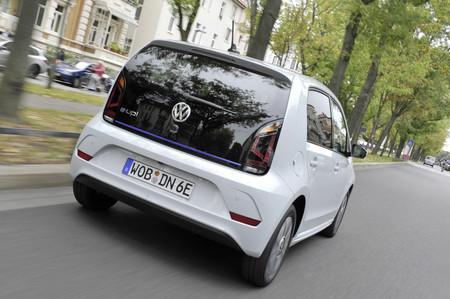 Volkswagen e-UP trasera