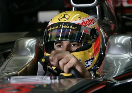 Lewis Hamilton explica sus salidas en Jerez