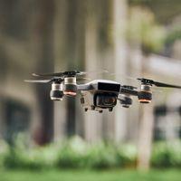 ¿Puedo derribar un drone a pedradas, tiros o de cualquier forma? Esto es lo que dice la ley