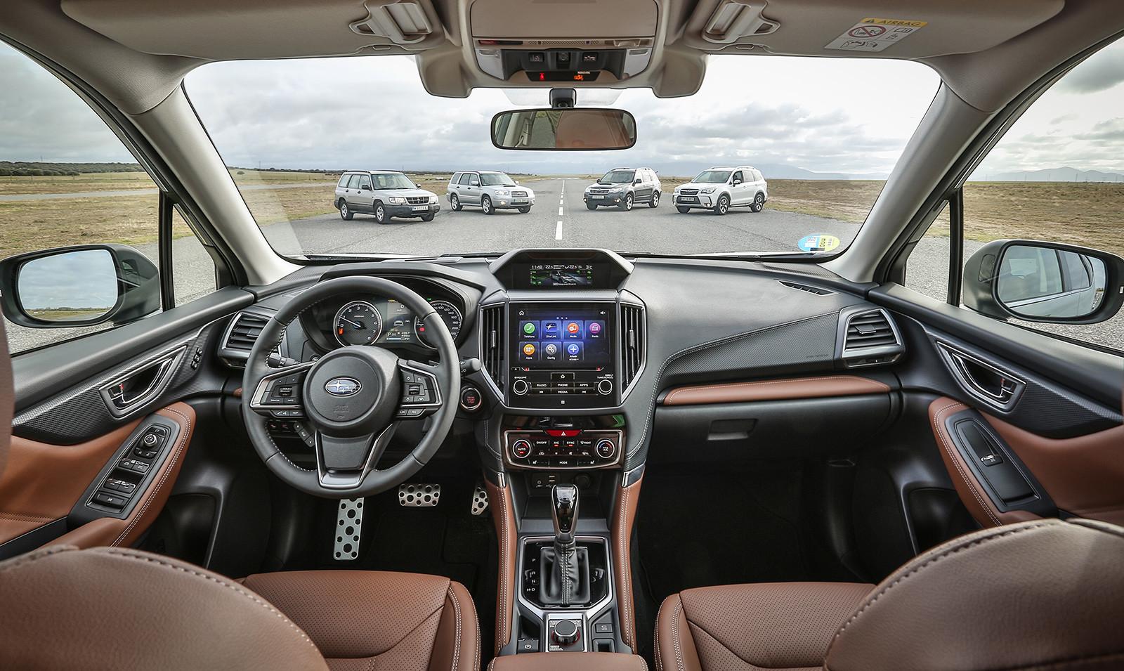 Foto de Subaru Forester Eco Hybrid 2020 (20/22)