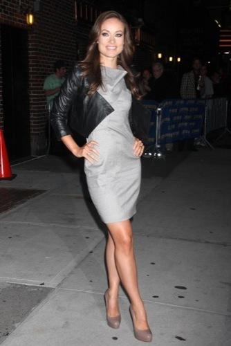 Olivia Wilde en el show de David Letterman: elegancia sin fallo alguno