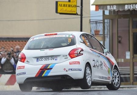 Peugeot y Renault buscan arrebatar la WRC Academy a M-Sport