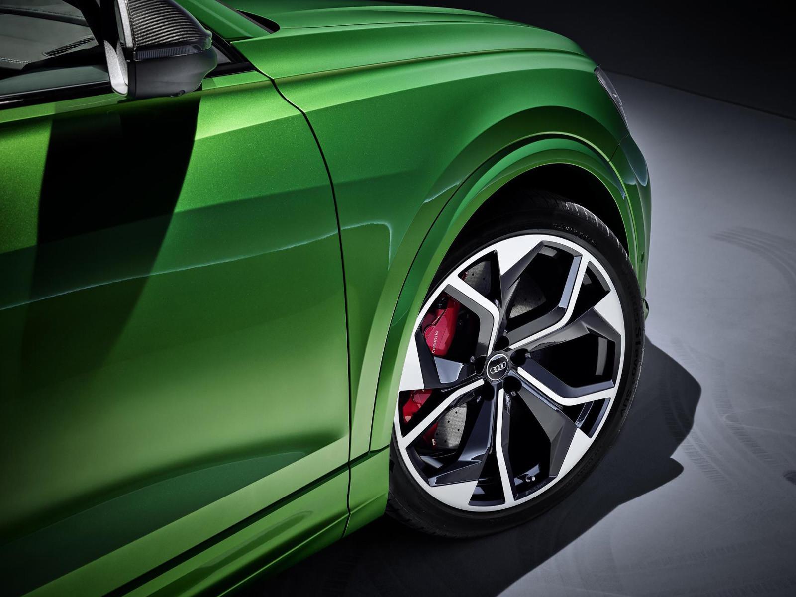 Foto de Audi RS Q8 2020 (27/47)