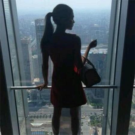Victoria Beckham diseña lo que sea, pero el vestido de Kim Kardashian casi que no