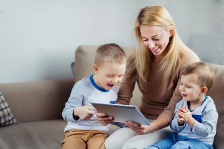 Las familias monoparentales quieren equipararse a las numerosas en beneficios fiscales