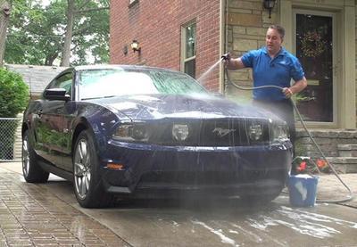 Así debes lavar tu auto cuando está cubierto por ceniza volcánica