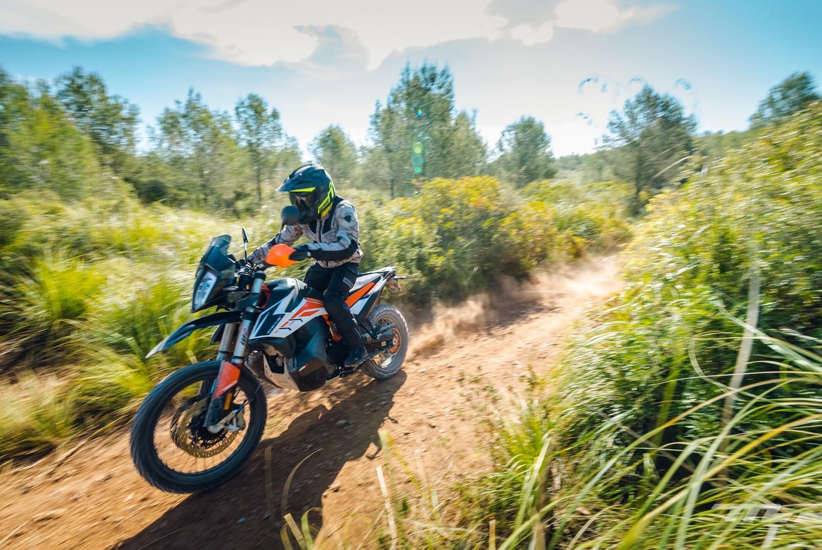 Foto de KTM 790 Adventure 2019, prueba (8/128)