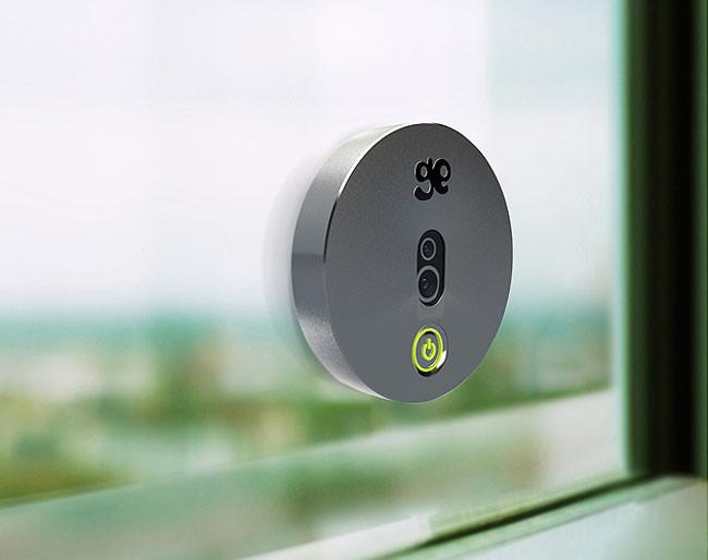 Adi s a los cables incluso a los de corriente con esta for Camara vigilancia autonoma