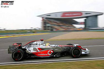 Hamilton y los Renault, los más rápidos en Shanghai