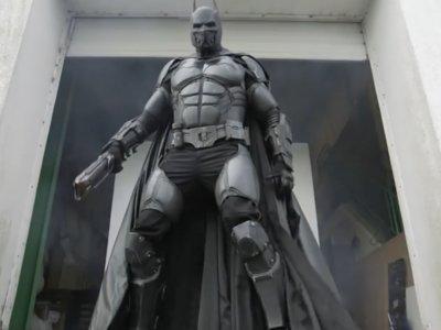 Este disfraz de Batman es tan increíble que cuenta con 23 gadgets totalmente funcionales