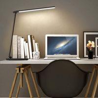 Nueve flexos con luz natural con los que puedes cargar tu móvil mediante USB o carga inalámbrica