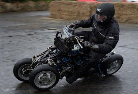 4-MC, una particular moto con cuatro ruedas
