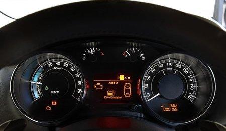 Peugeot-3008HYbrid4-cuadro
