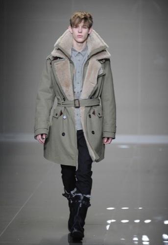 Burberry Prorsum, Otoño-Invierno 2010/2011 en la Semana de la Moda de Milán, abrigo borrego