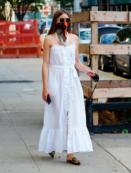 Sara Sampaio y Olivia Palermo nos muestran dos vestidos muy diferentes pero perfectos para los días de verano
