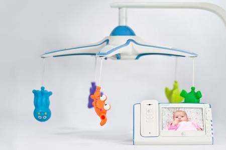 Móvil para cunas con el que vigilar a tu bebé a vista de pájaro
