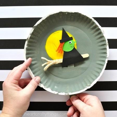 Manualidades Halloween Bruja Volando