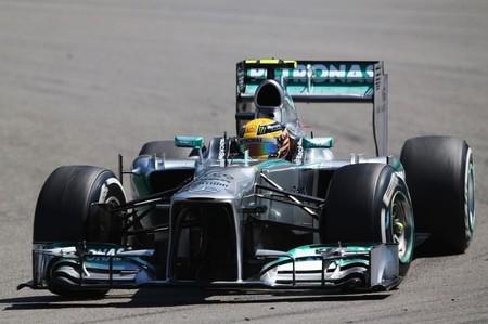 Lewis Hamilton le arrebata la pole a Sebastian Vettel en el último momento