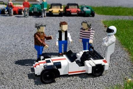 Caterham R500...de Lego con The Stig y compañía