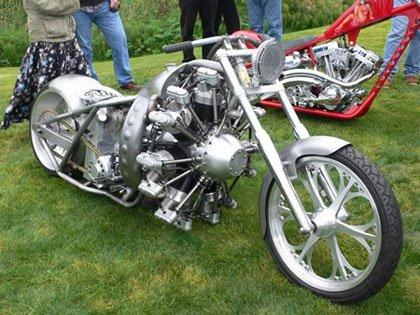 Una custom con motor radial