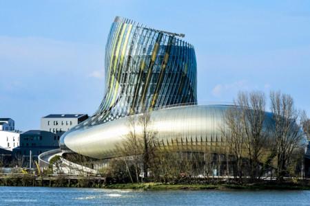 Inauguran la Cité du vin, el primer museo multidisciplinario dedicado al vino