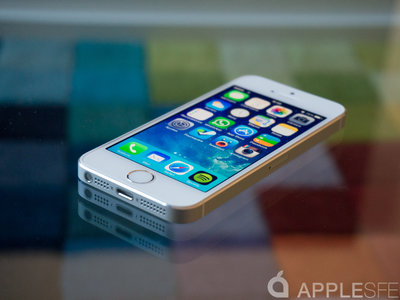 Una demanda colectiva en California pide que el iPhone implemente un sistema de bloqueo mientras se conduce