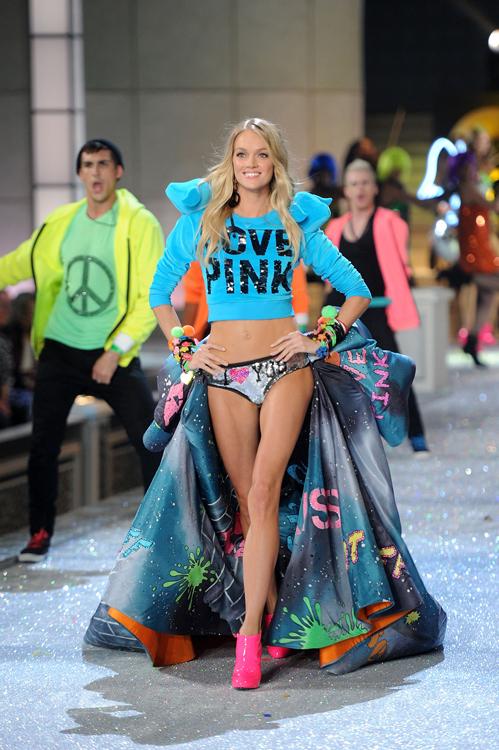 Foto de El desfile Victoria's Secret Fashion 2011: todas las imágenes (7/57)