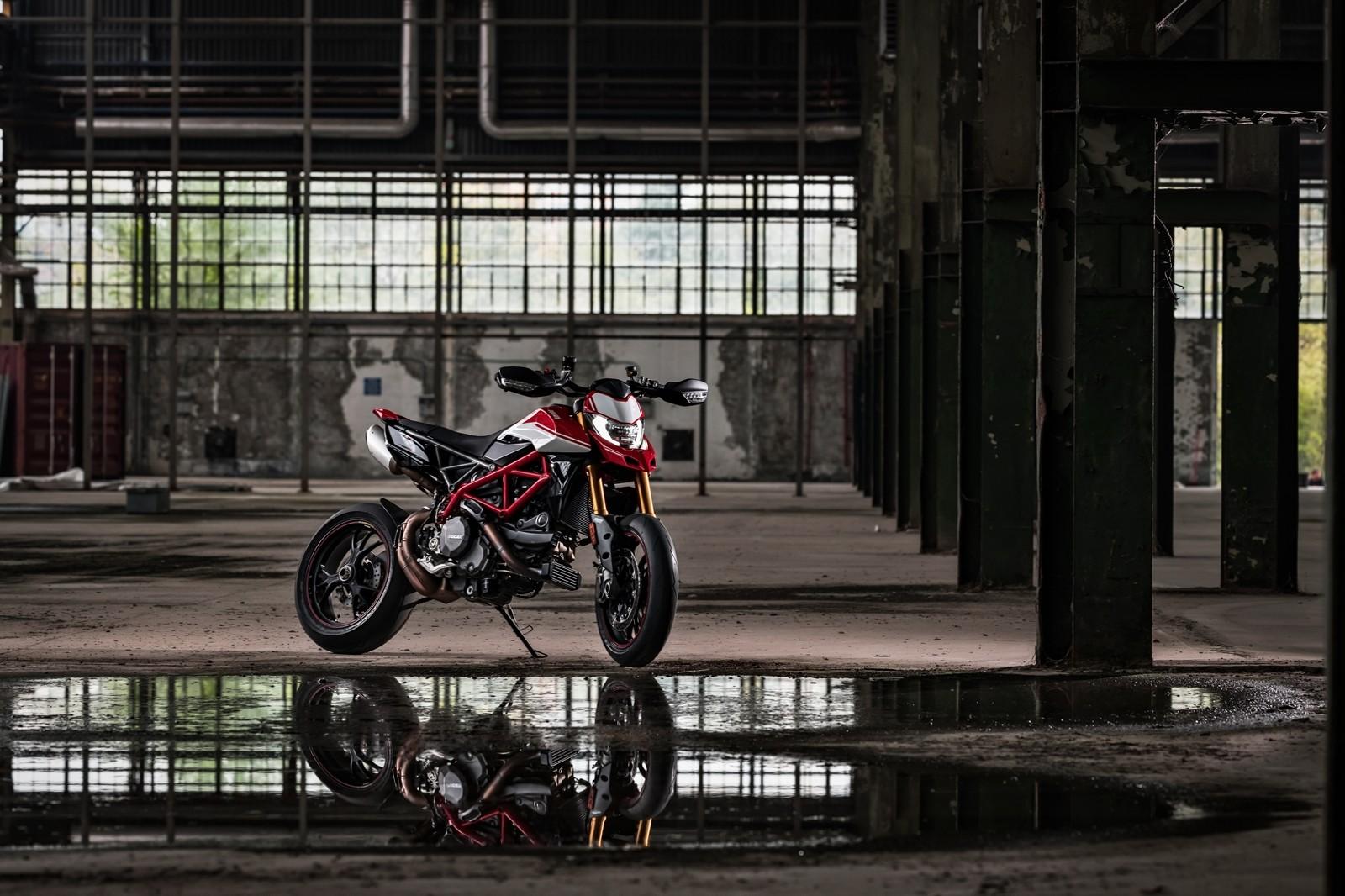 Foto de Ducati Hypermotard 950 2019 (21/76)