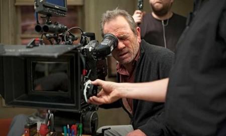 Tommy Lee Jones escribe y dirige el remake de 'John Wayne y los cowboys'