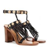 Clonados y pillados: las sandalias con flecos de Valentino pisan Zara con fuerza