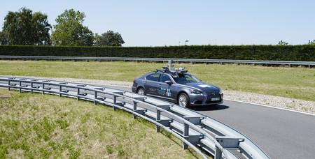 Lexus Ls Autonomo Bruselas