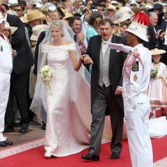 Foto 13 de 19 de la galería todas-las-imagenes-del-vestido-de-novia-de-charlene-wittstock-en-su-boda-con-alberto-de-monaco en Trendencias