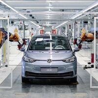 Las ventas de coches híbridos y eléctricos superan por primera vez a los coches diésel en Europa