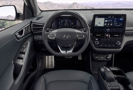 Hyundai Ioniq Electric Interior